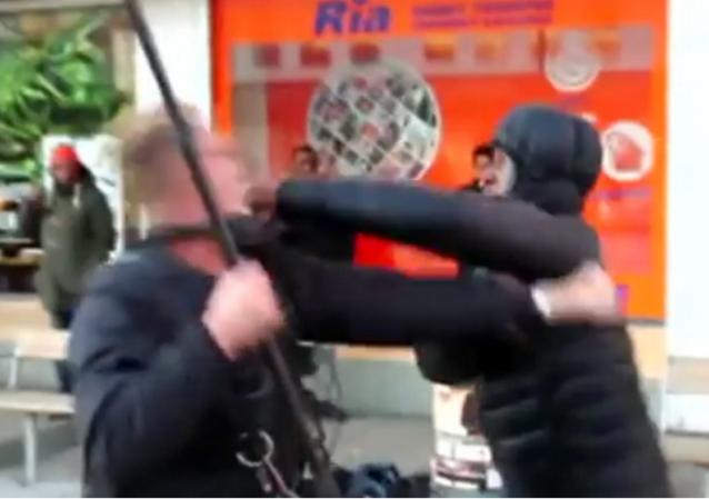 https://www.rt.com/news/336421-australian-journalists-attacked-sweden/