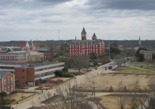 https://commons.wikimedia.org/wiki/File:AuburnCampusI.png